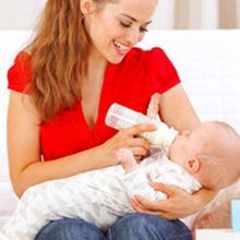 Les repas de bébé : à 18 mois, à table comme les grands !