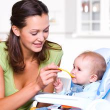 Comment bien choisir la chaise haute de bébé ?