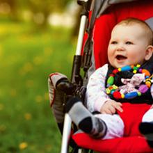 Une poussette hamac pour votre bébé de 6 mois